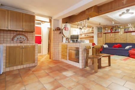 appartamento / taverna in paesino - Lägenhet