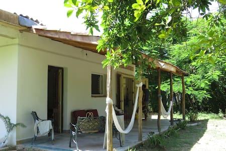 Cottage MontECOrales, campo rio colinas y mar. - Guesthouse