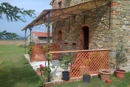 Restored Cottage 2. Cortona-Arezzo - Arezzo - Haus