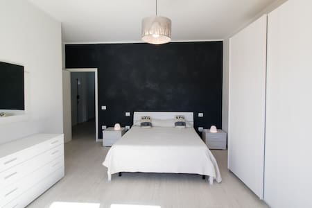 Camera Foligno centro 10min Caserma - Apartment