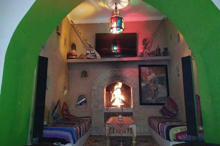 ★ HEART OF MARRAKECH★POOL VIEW ★ PRIVATE SUITE★ - Marrakech - Bed & Breakfast