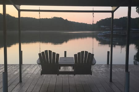 3bd/3ba Lake House, Sleeps 10, 40 min to Clemson - Westminster