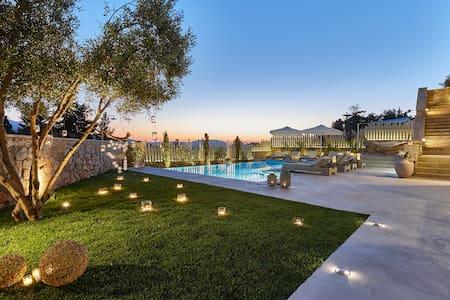 Villa Rouga-Luxury with pool n spa - Xirosterni