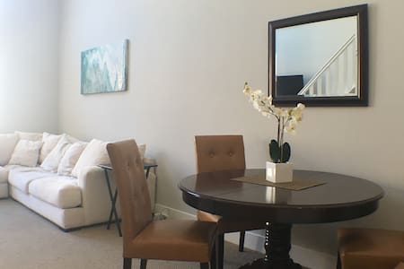 Penthouse in Newport/Irvine- Near UCI and Airport - Συγκρότημα κατοικιών