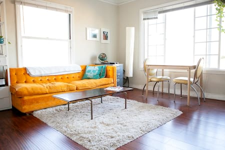 Charming and Sunny Apartment! - Los Angeles - Apartment