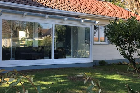 Modern holiday house with wifi,200m from the beach - House