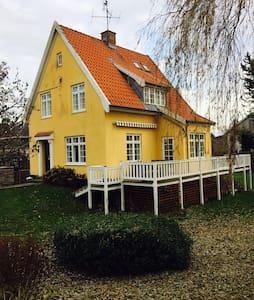 Beautiful house in northern sealand near the sea - Snekkersten
