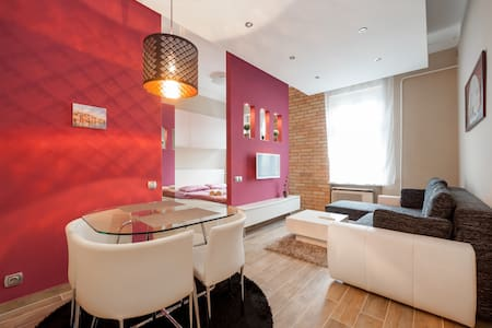 Stylish, cute, perfect for 2 people - Budapest - Apartment
