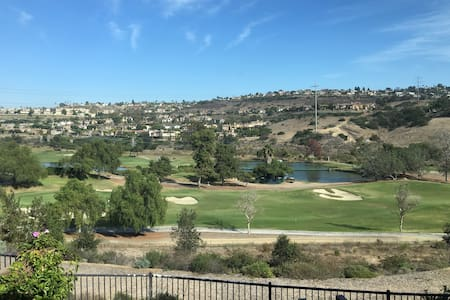 Beautiful Room Near Golf Course - Carlsbad