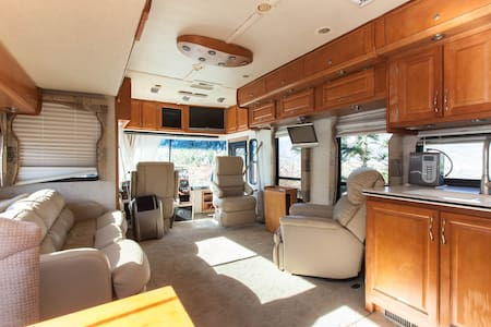 The Tour Master Motor Home at the Rancho del Sol - Valley Center