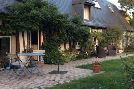 Maison de charme ,  3 chambres, centre village. - Saint-Martin-de-Boscherville