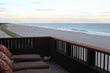 Stunning Ocean Front Home Unobstructed Ocean Views - Ocean Beach - Hus