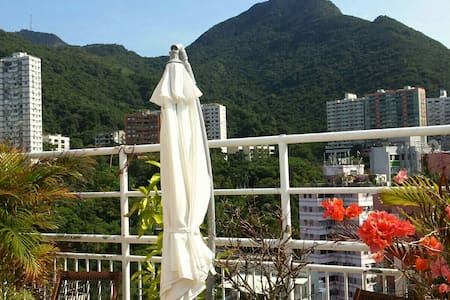 DESCRIPTION  LOCATION 2 minutes walk from Kennedy Town MTR station.