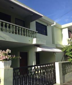 Apartamento amueblado el Dorado I - Rumah