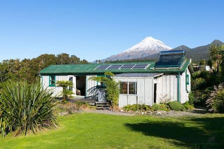 Pouakai Mountain Cottage - Korito - Apartment