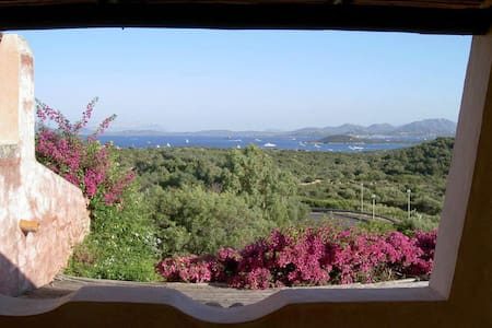 ROMANTICO NIDO SOPRA LISCIA RUJA! - Porto Cervo - House