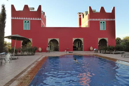 Villa riad, great pool, garden, calm, 30 km Agadir - Willa