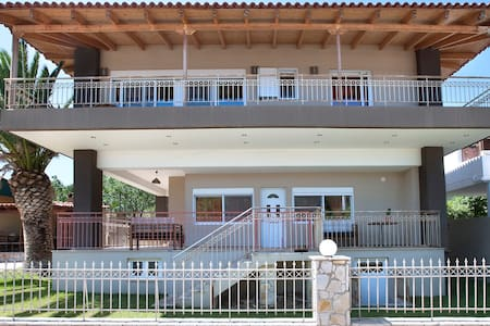 Peggy's  villa 1st floor 80sqm with garden and Βbq - Kineta