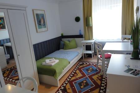 HAUS FEUCHTL Kis egyágyas szoba - Villa