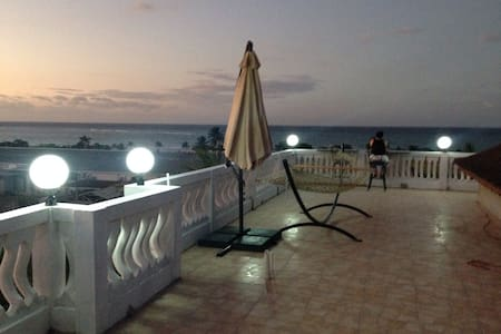 Upscale Ocean View Unit -Sleeps 6-8 - Ház