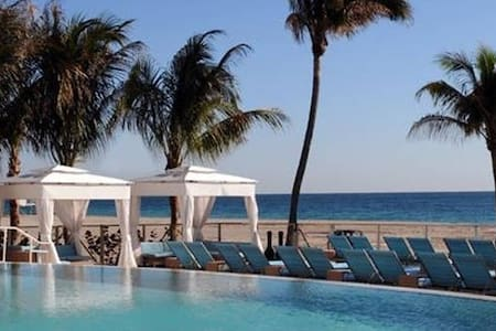 best price DIRECT ON THE OCEAN, . FREE WIFI - Miami Beach - Apartment