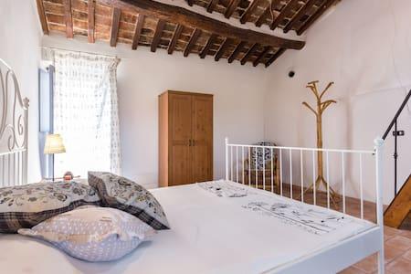 'Le Mura' historical garden house. - Haus