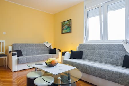 Comfortable apartment for family(6) - Lejlighed