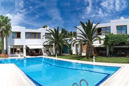 Ekali Luxury Villa Home - Ekali
