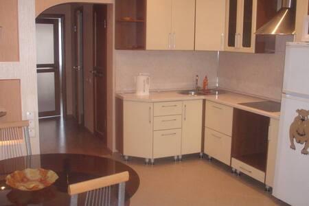 Лучшая квартира для посуточного отдыха - Surgut - Daire