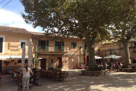 Typical mallorcan house - Casa