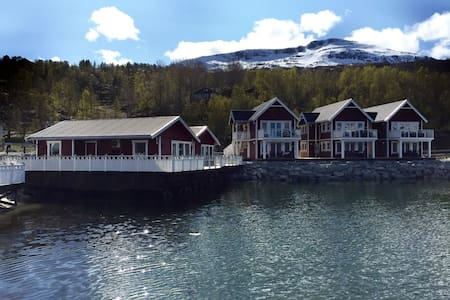 Idyllic Fisherman's Cottages at Garsnes Brygge - Cabin