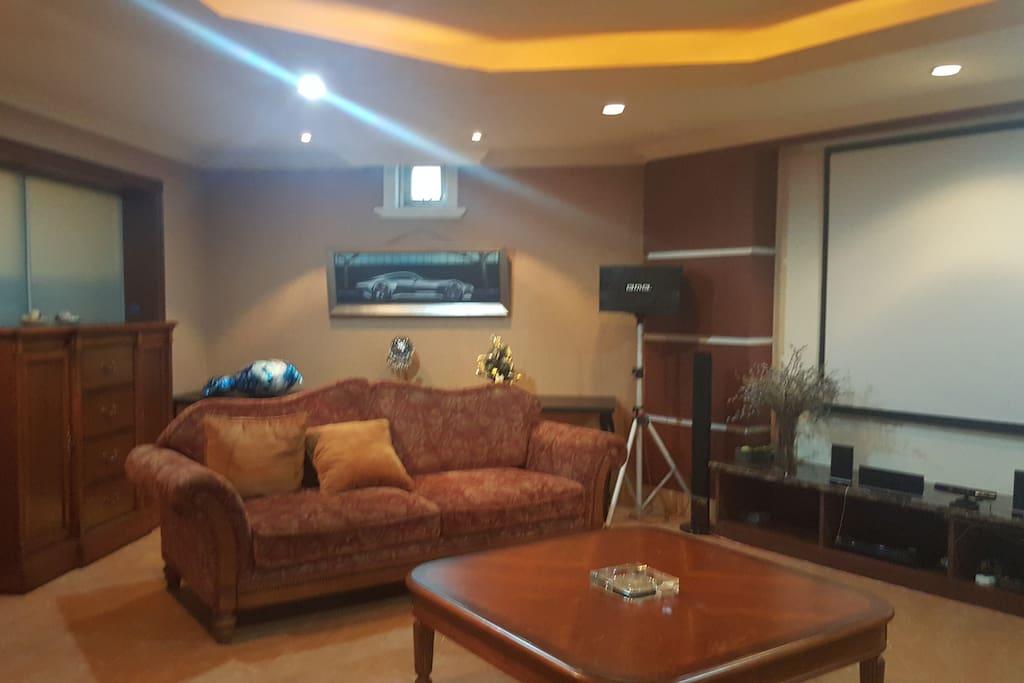 地下一层的影音厅