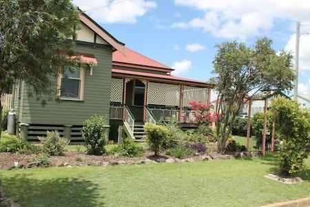 'Cankingleigh' in Warwick, Southern Downs - Warwick - Maison