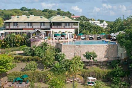 Nutmeg @GrenadaBnB - Luxury Seaside Boutique BnB - Lance aux Epines - Bed & Breakfast