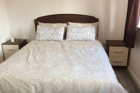 Picture of Double bedroom in Modern House in town centre
