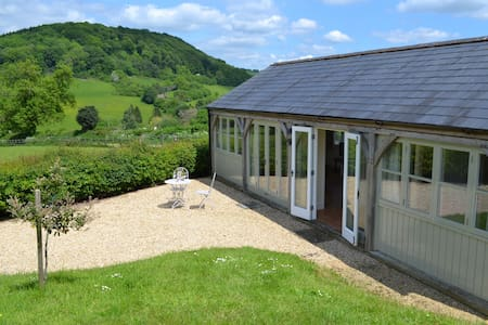 The Shed, Nr North Nibley - Bungalow