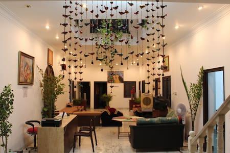 SINGHI VILLA GUEST HOUSE