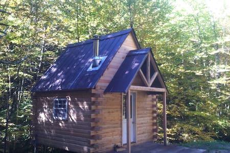 Cozy Little Log Cabin - Blockhütte