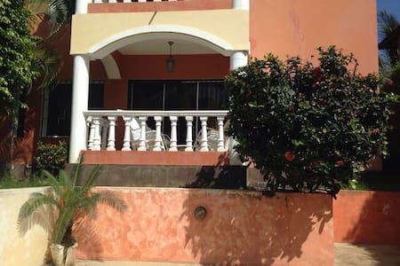 Luxueux appartement pas loin de la plage - Apartment