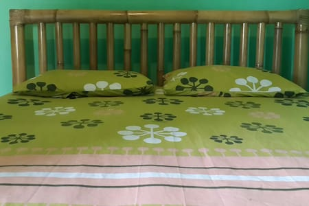 Polong guest House AC & hot shower - Apartment