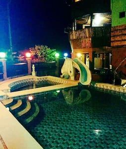 Villa-K Private Resort - Lian - Casa