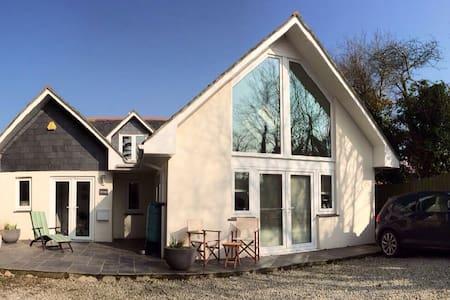 White Gables Cornish Retreat - Saint Newlyn East - Casa