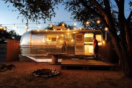 Restored Vintage Airstream Trailer - Los Ranchos de Albuquerque