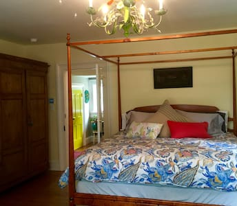 Blue Barn BnB River Room - Bed & Breakfast