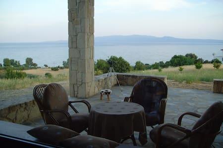 Βίλα κοντά στη θαλασσα στο Δεβελίκι, χαλκιδικης - Chalkidiki - Villa