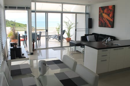 Oceanview apartment  $250 per week - Appartamento