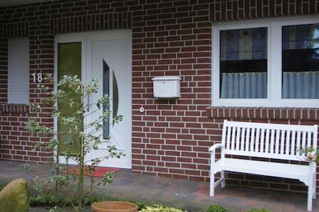 Doppelhaushälfte in bester Lage von Meppen - Meppen - House