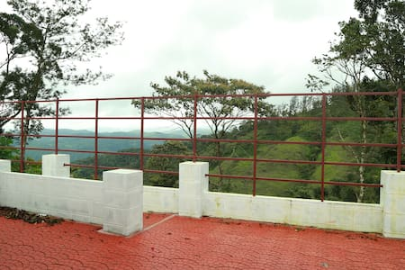 Tabernacle Top Hills Room Thekkady - Slaapzaal