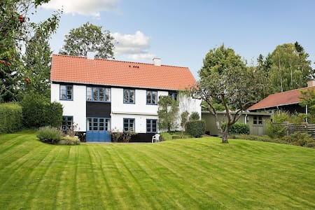 Charming, familyfriendly villa near Copenhagen - Villa