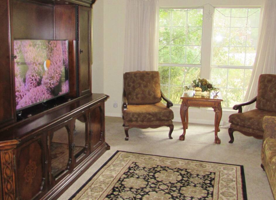 Formal Dining Area - One of Three Dining Areas in This 3200 Square Foot Home! Great Rates.